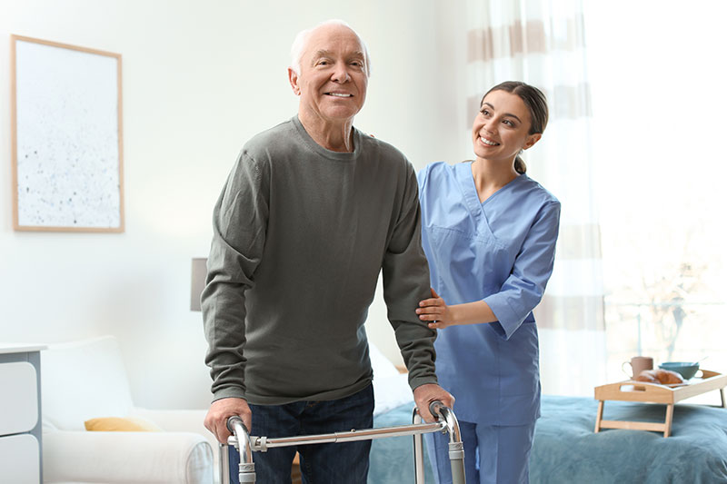 Home-health-aide-helping-senior-in-Hollywood